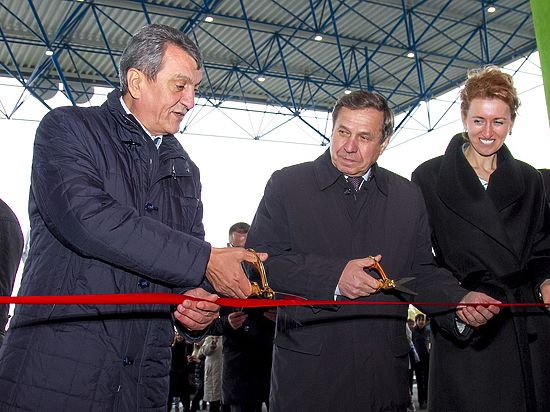 Крупнейший в РФ крытый аквапарк открылся вНовосибирске
