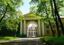 Игорь Миркурбанов возрождает театральные постановки в Архангельском