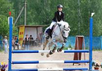 В клубе «Аллюр» прошли конные соревнования