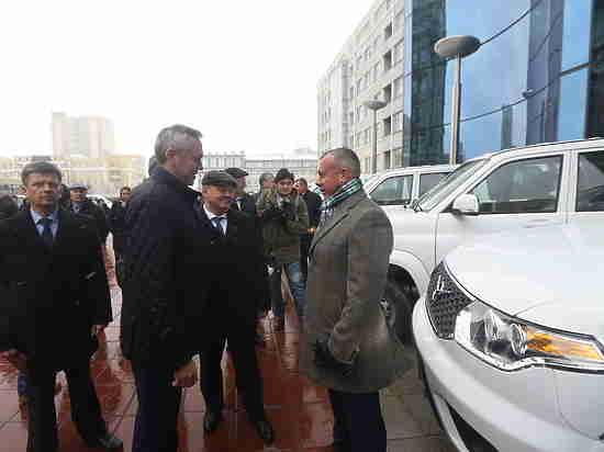 Лучшим аграриям области вручили новые автомобили «УАЗ-Патриот»
