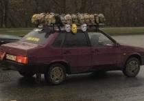 Москвичей напугал автомобиль с головами Путина и Тимошенко на крыше